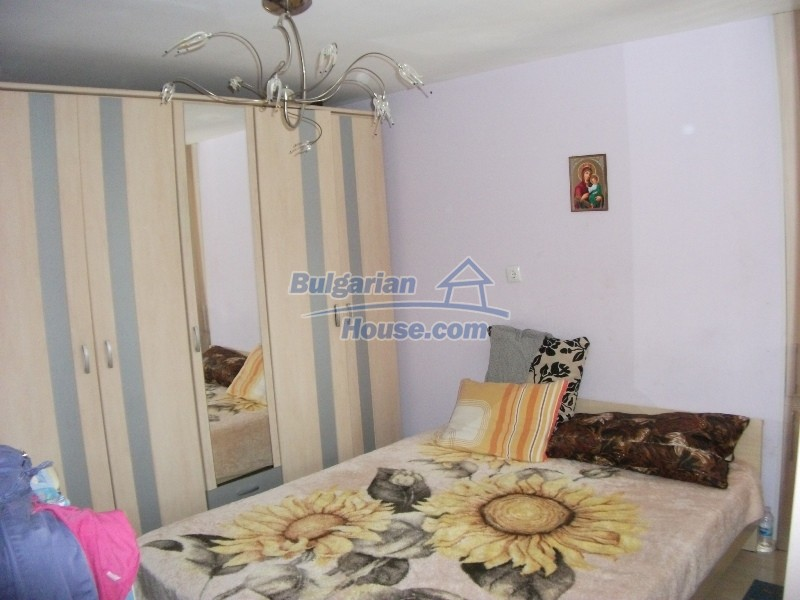 12008:45 - Cozy Bulgarian house with swimming pool in Stara Zagora region