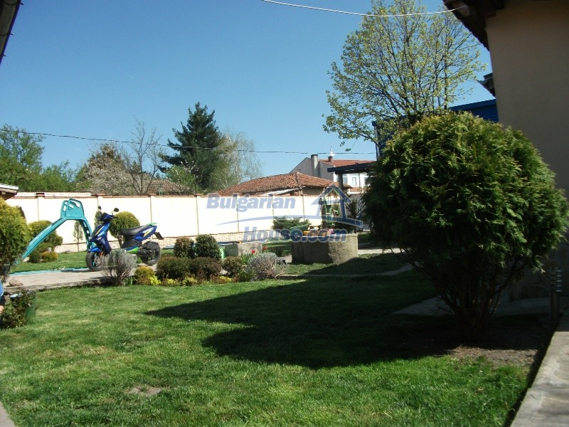 12008:55 - Cozy Bulgarian house with swimming pool in Stara Zagora region