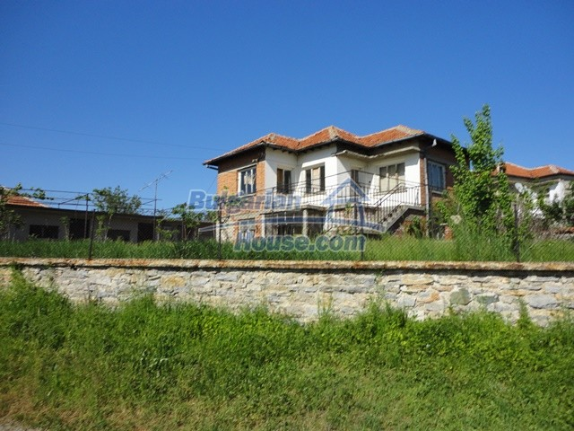 11057:1 - Cheap two-storey house in a green countryside, Yambol region