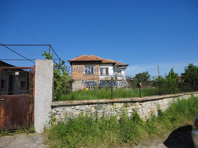 11057:17 - Cheap two-storey house in a green countryside, Yambol region