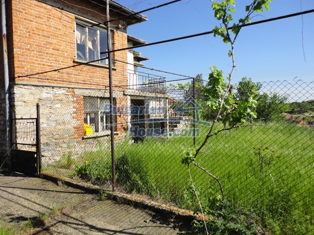 11057:15 - Cheap two-storey house in a green countryside, Yambol region