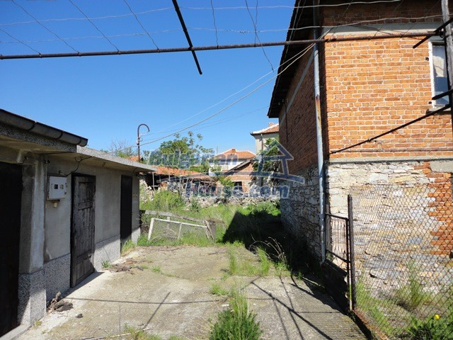 11057:13 - Cheap two-storey house in a green countryside, Yambol region
