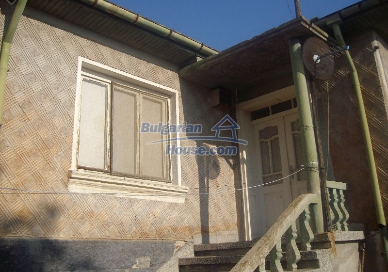 11160:3 - Cozy Bulgarian property near Stara Zagora, good investment
