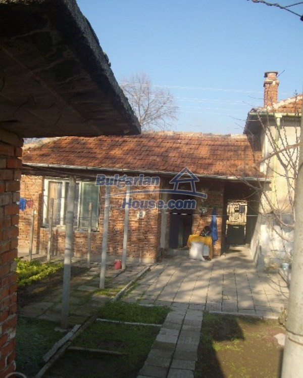 11160:9 - Cozy Bulgarian property near Stara Zagora, good investment