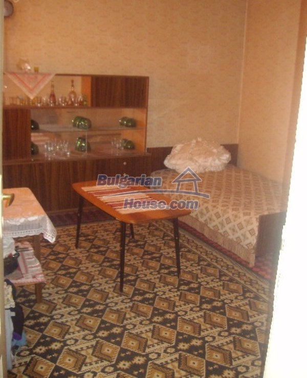 11160:14 - Cozy Bulgarian property near Stara Zagora, good investment