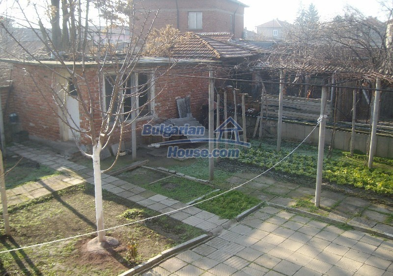11160:17 - Cozy Bulgarian property near Stara Zagora, good investment