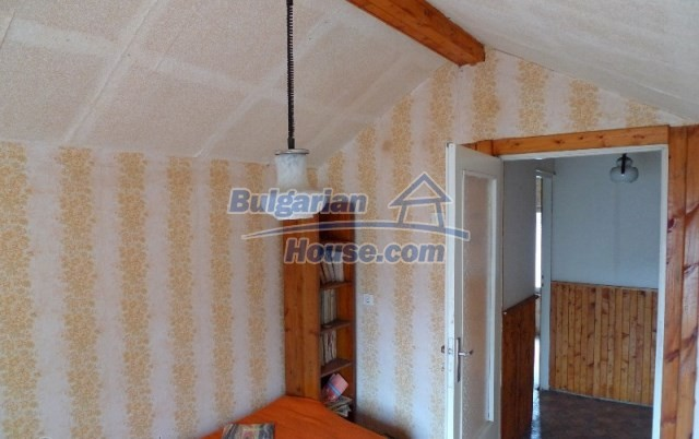 11073:3 - Nice house in a village on the slope of the Balkan mountains