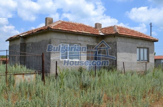 12336:1 - Bulgarian house for sale only 1km to the sea and 7km to Kavarna
