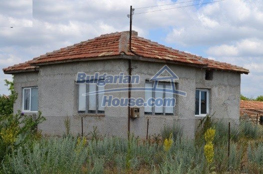 12336:3 - Bulgarian house for sale only 1km to the sea and 7km to Kavarna