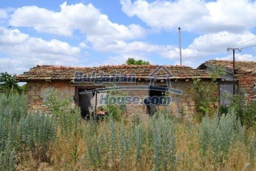12336:32 - Bulgarian house for sale only 1km to the sea and 7km to Kavarna