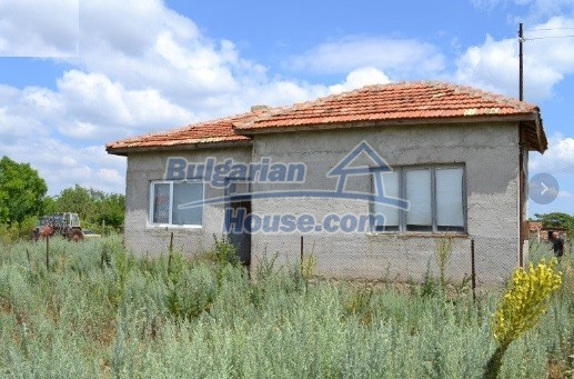 12336:37 - Bulgarian house for sale only 1km to the sea and 7km to Kavarna