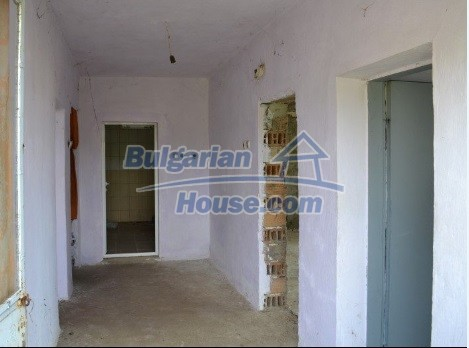 12336:27 - Bulgarian house for sale only 1km to the sea and 7km to Kavarna