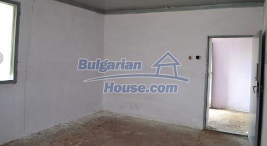 12336:17 - Bulgarian house for sale only 1km to the sea and 7km to Kavarna