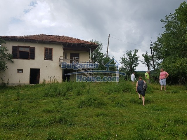 12327:1 - Property in Sliven region with lovely views 3000 sq.m garden