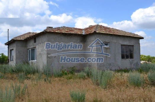 12336:34 - Bulgarian house for sale only 1km to the sea and 7km to Kavarna