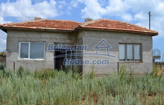 12336:38 - Bulgarian house for sale only 1km to the sea and 7km to Kavarna