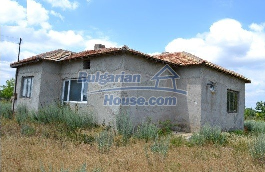 12336:36 - Bulgarian house for sale only 1km to the sea and 7km to Kavarna