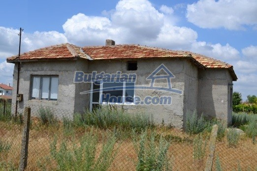 12336:35 - Bulgarian house for sale only 1km to the sea and 7km to Kavarna