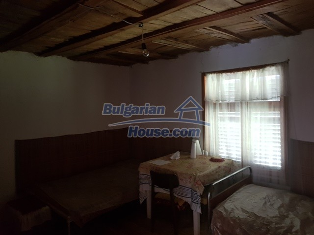 12327:9 - Property in Sliven region with lovely views 3000 sq.m garden