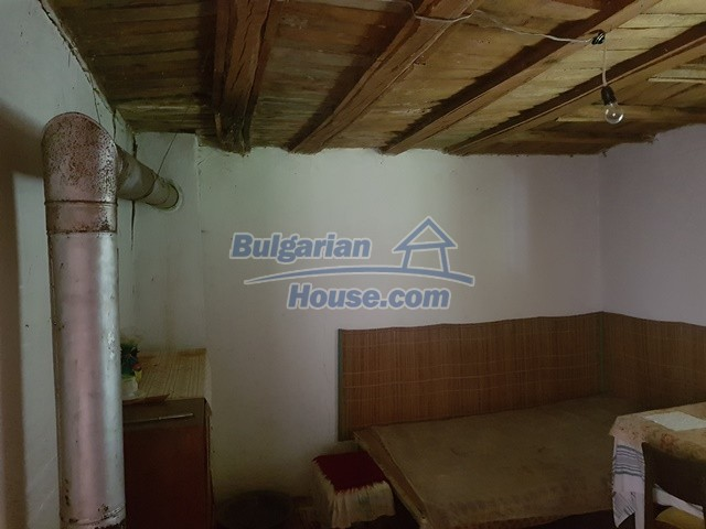 12327:10 - Property in Sliven region with lovely views 3000 sq.m garden