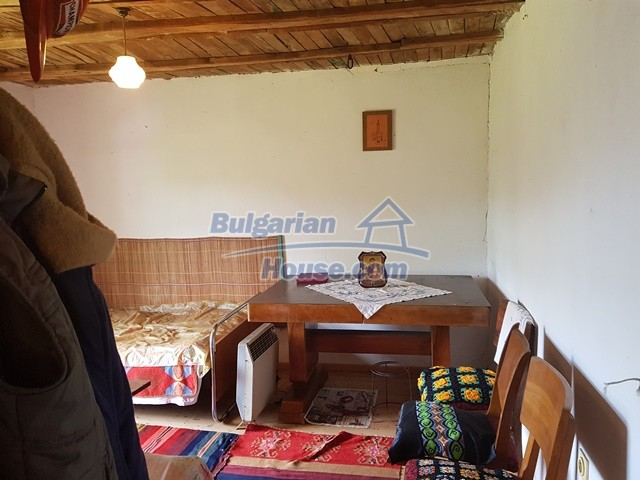 12327:20 - Property in Sliven region with lovely views 3000 sq.m garden