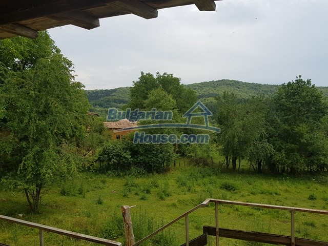 12327:36 - Property in Sliven region with lovely views 3000 sq.m garden