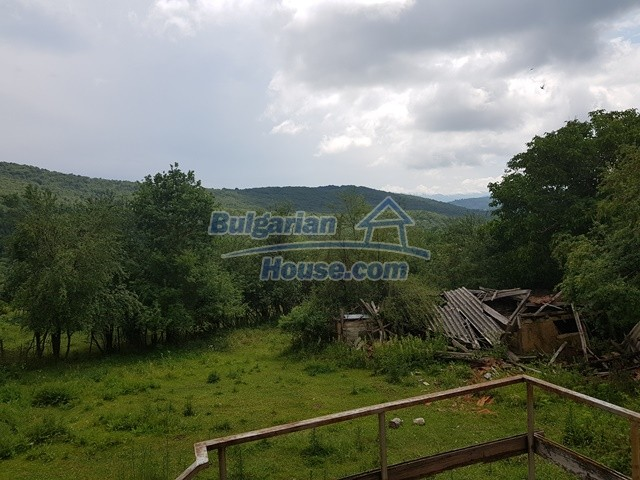 12327:37 - Property in Sliven region with lovely views 3000 sq.m garden