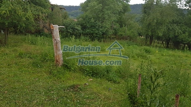 12327:65 - Property in Sliven region with lovely views 3000 sq.m garden