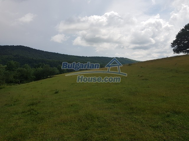 12327:57 - Property in Sliven region with lovely views 3000 sq.m garden