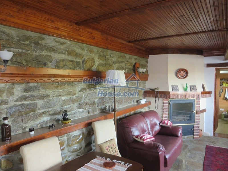 12637:21 - Beautiful 4 bedroom property with stunning mountain views, Elena