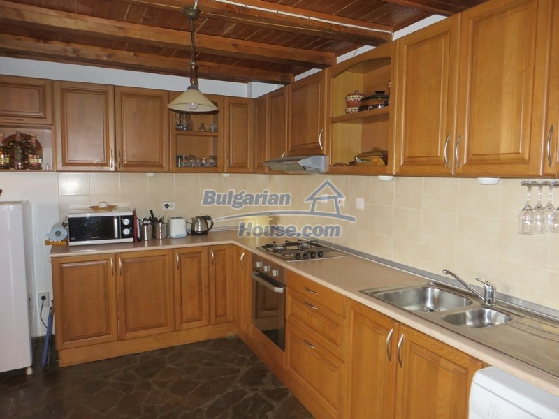 12637:24 - Beautiful 4 bedroom property with stunning mountain views, Elena