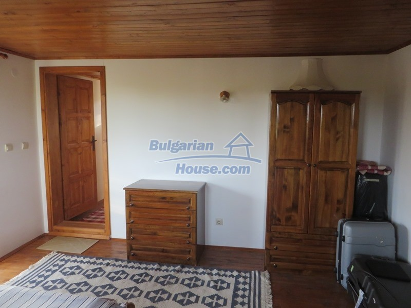 12637:42 - Beautiful 4 bedroom property with stunning mountain views, Elena
