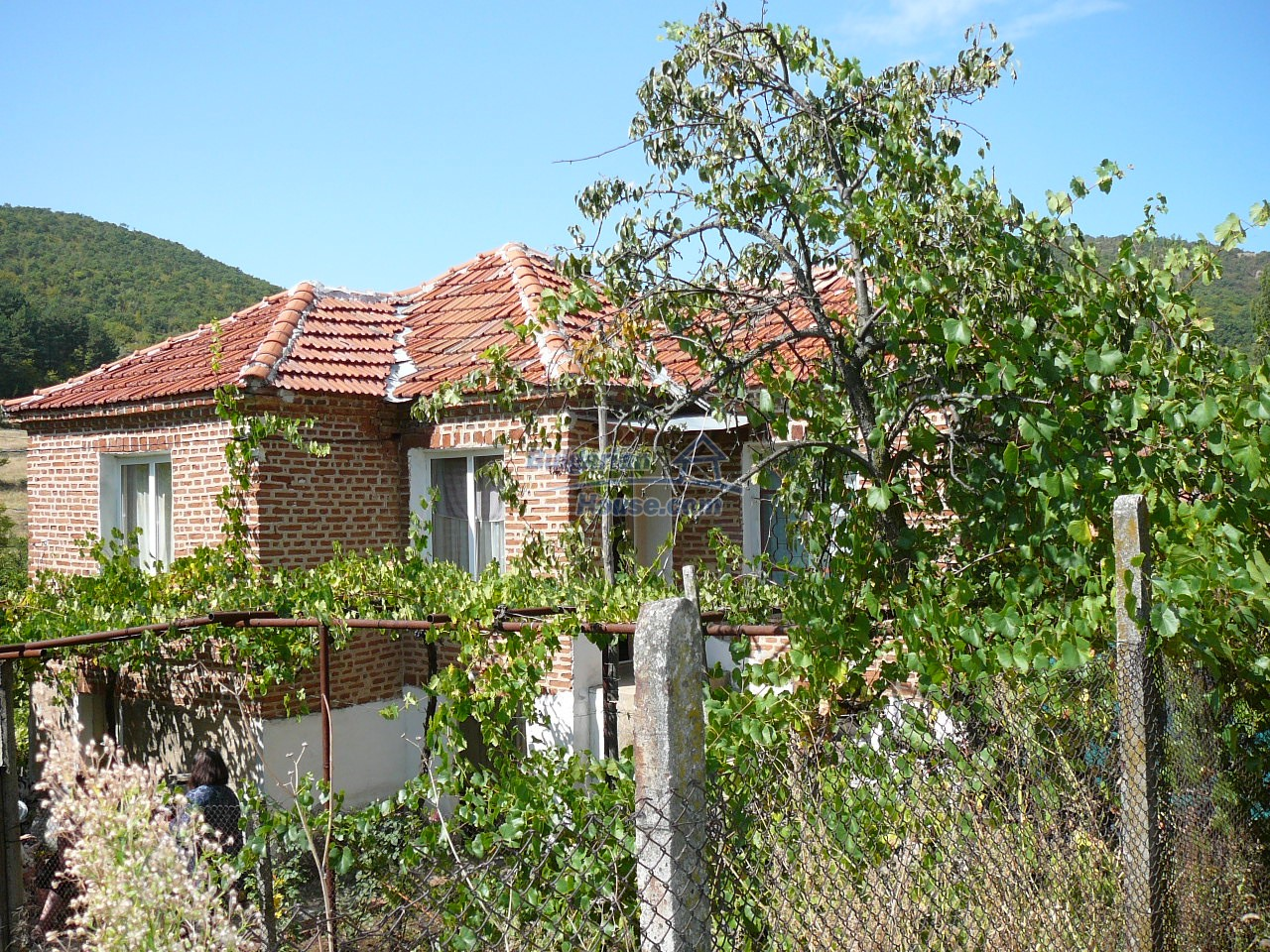 12533:1 - Bulgarian house -beautiful views, surroundings-50km to Plovdiv