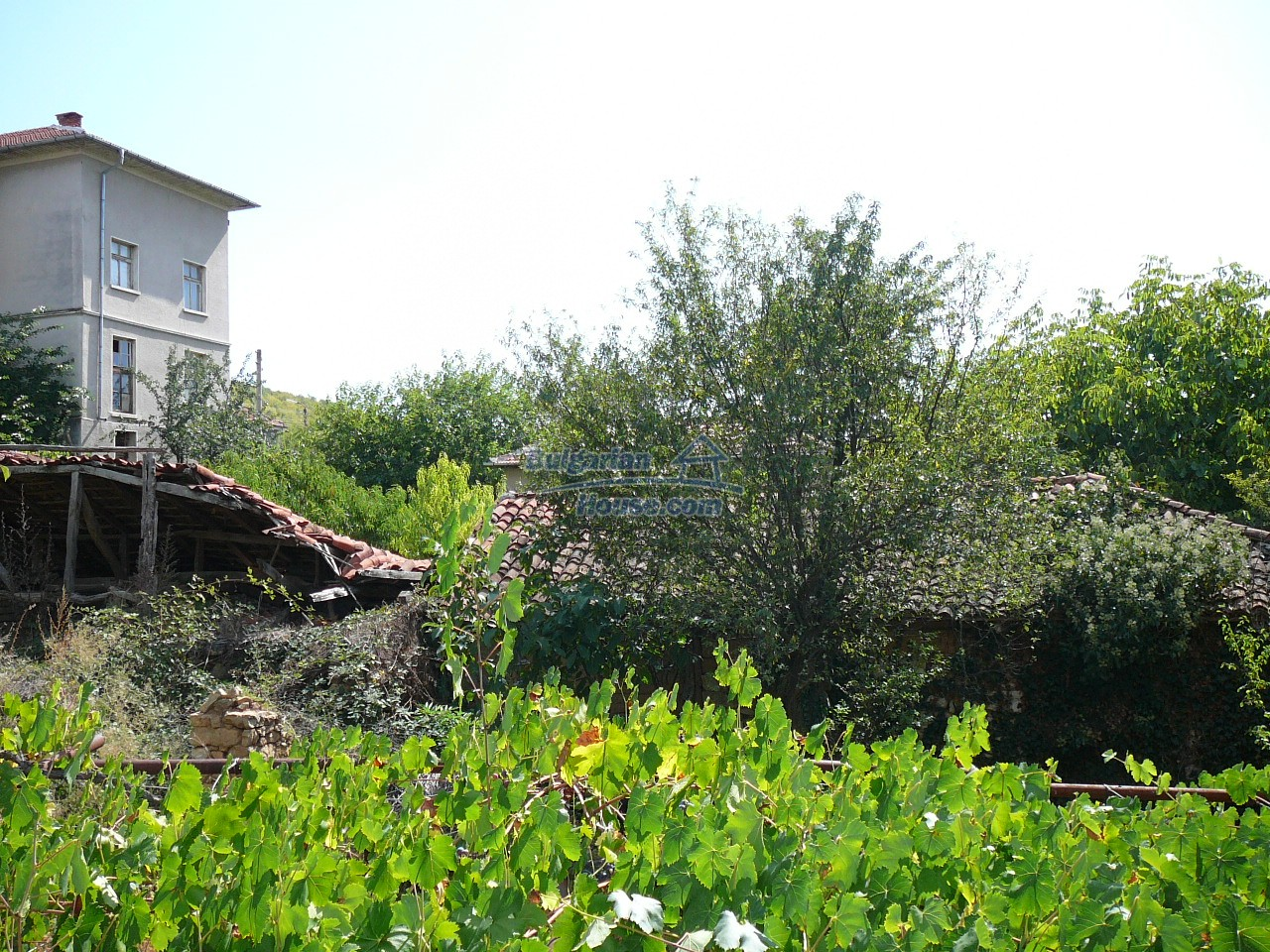12533:24 - Bulgarian house -beautiful views, surroundings-50km to Plovdiv