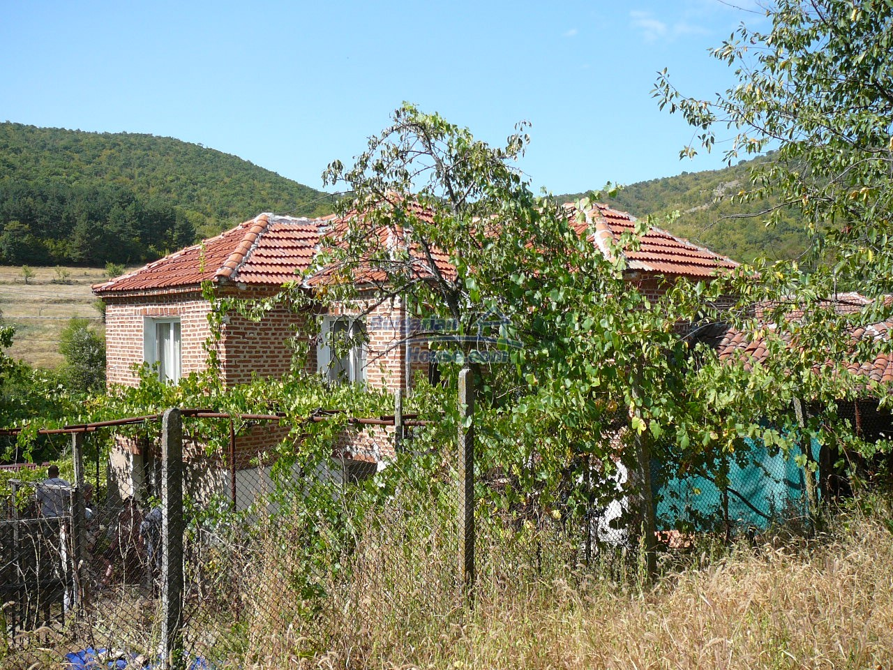 12533:31 - Bulgarian house -beautiful views, surroundings-50km to Plovdiv