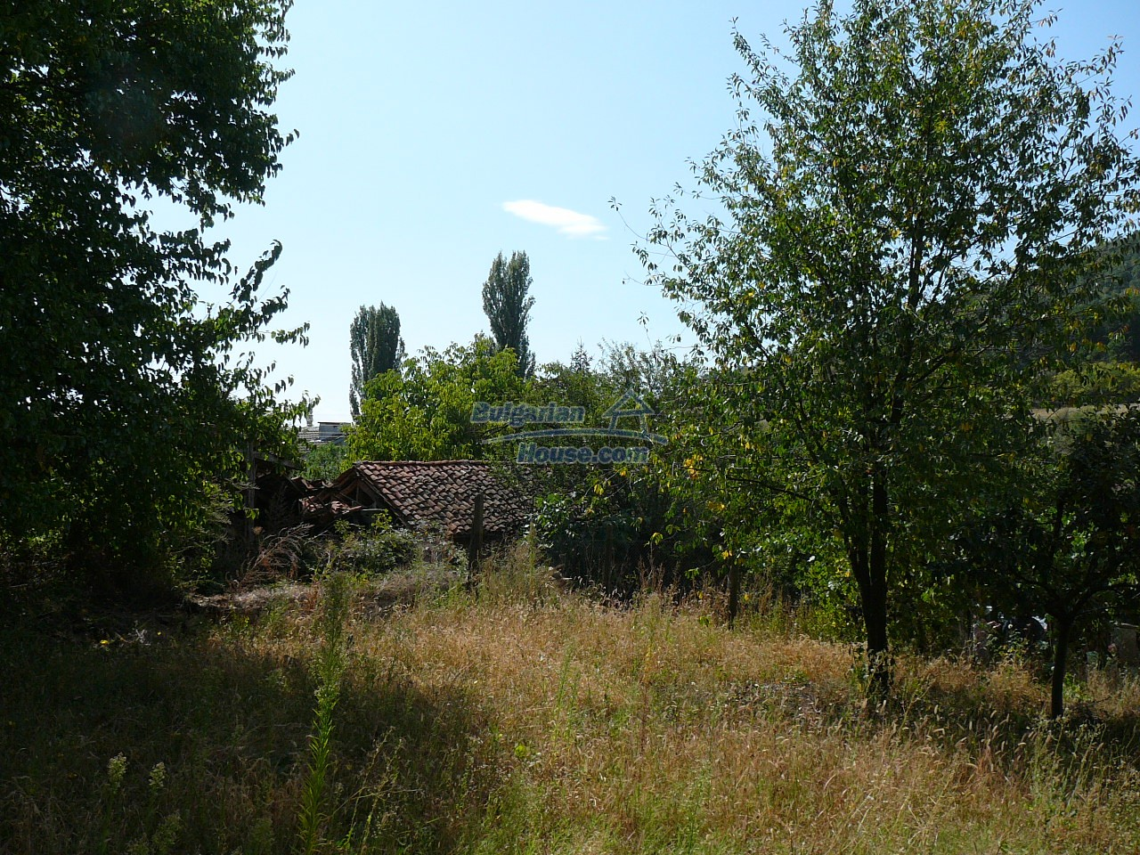 12533:30 - Bulgarian house -beautiful views, surroundings-50km to Plovdiv