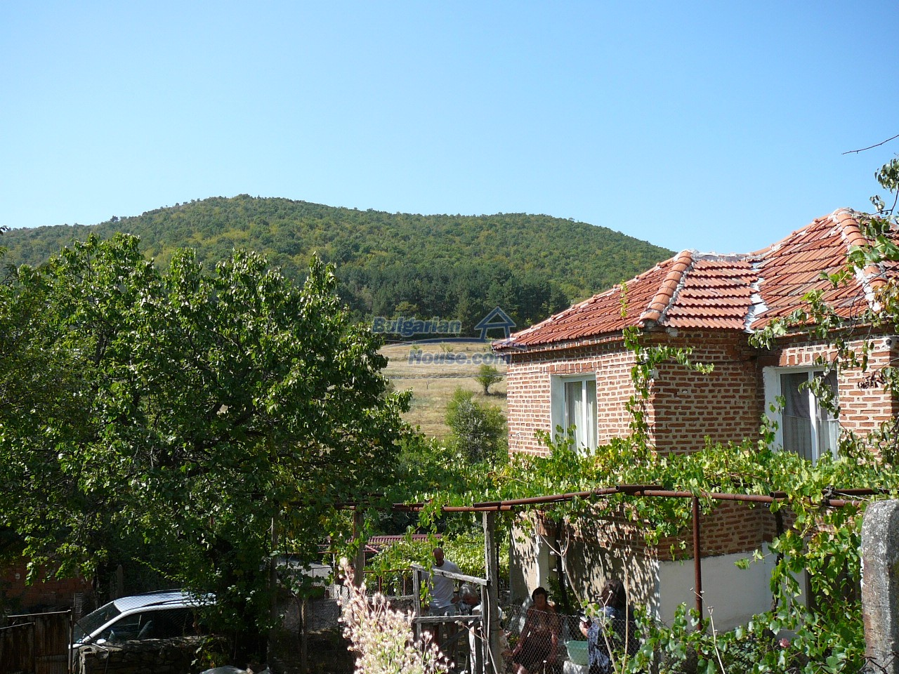 12533:32 - Bulgarian house -beautiful views, surroundings-50km to Plovdiv