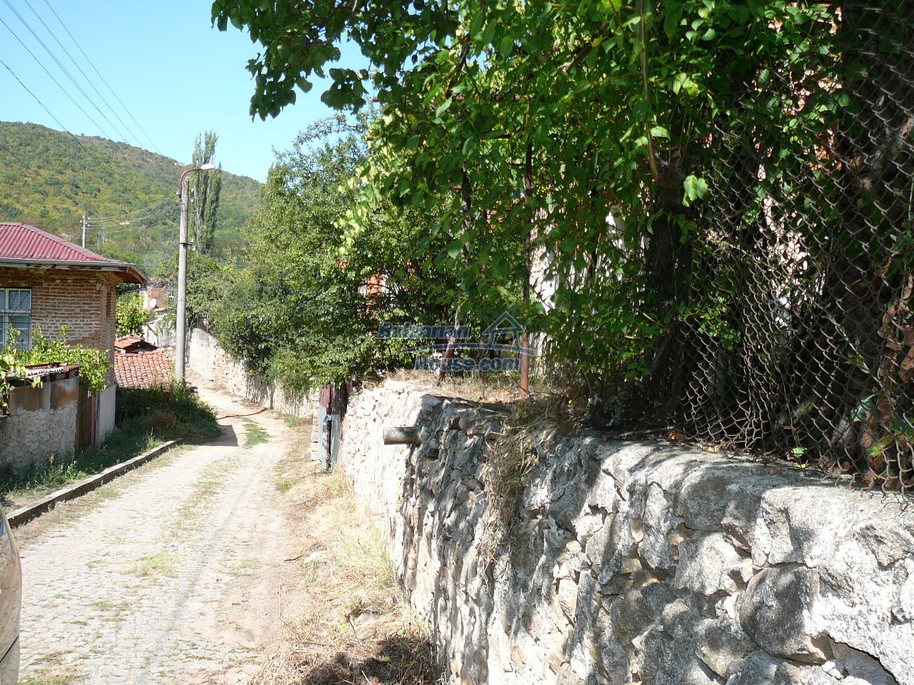 12533:37 - Bulgarian house -beautiful views, surroundings-50km to Plovdiv