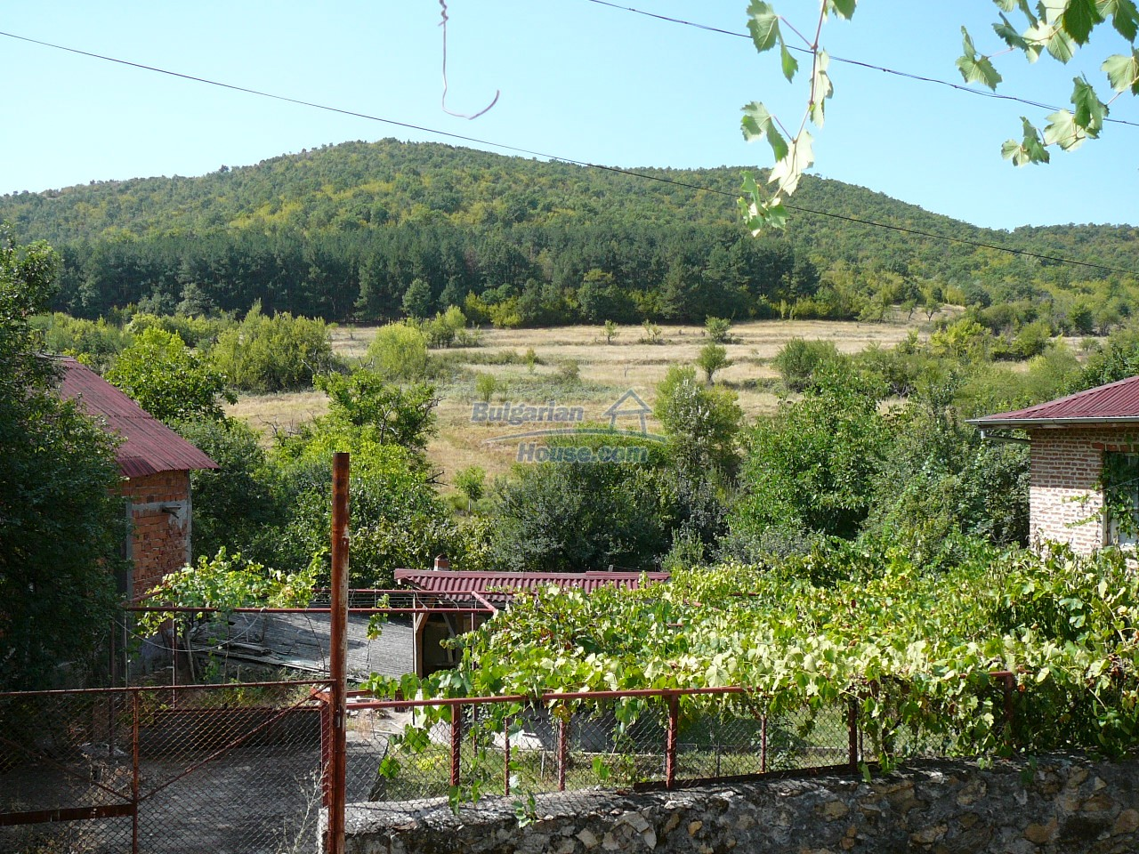 12533:35 - Bulgarian house -beautiful views, surroundings-50km to Plovdiv