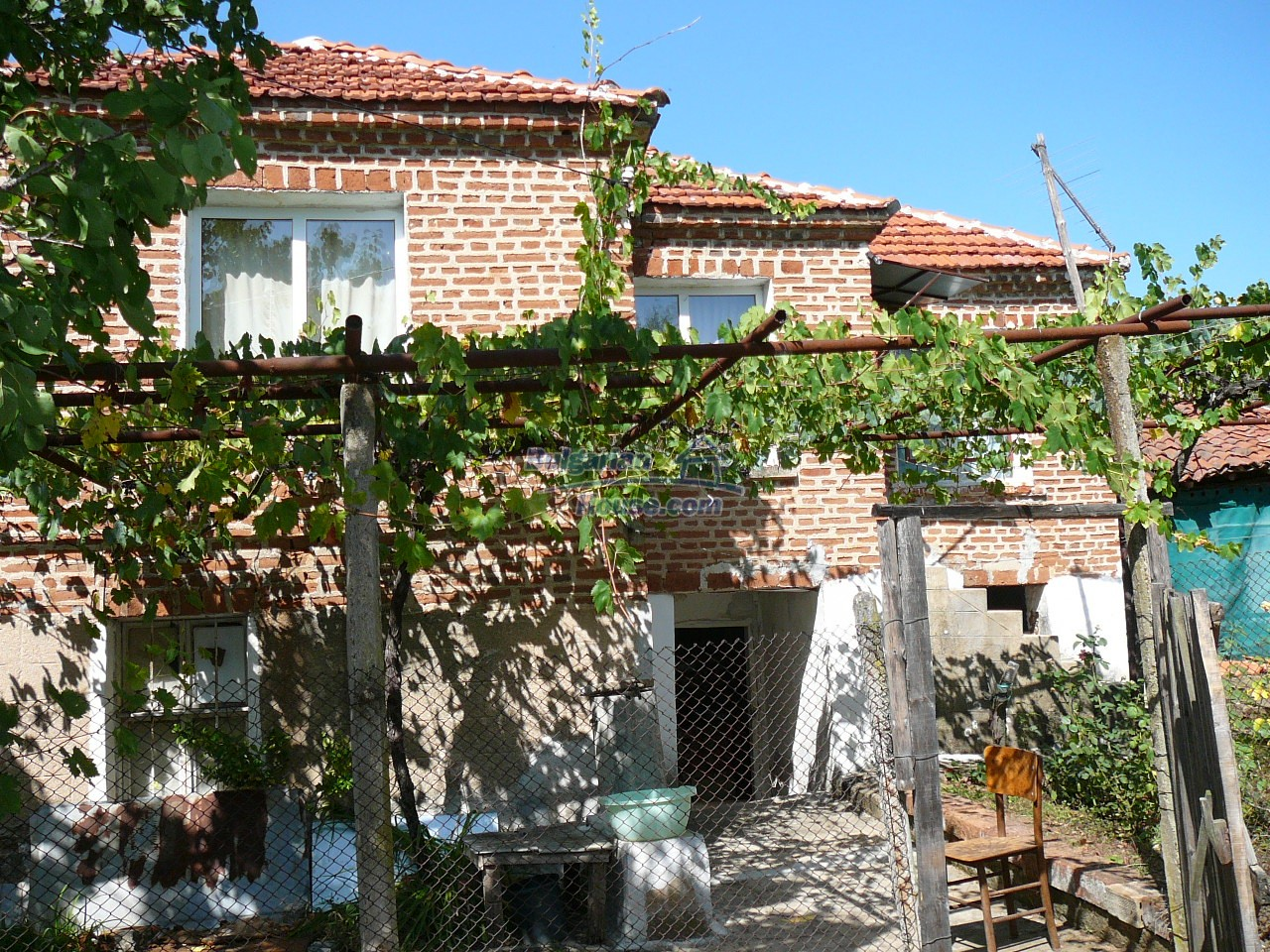 12533:36 - Bulgarian house -beautiful views, surroundings-50km to Plovdiv