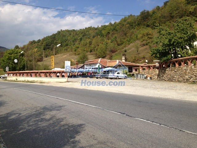 11068:31 - Business property near a mountain, excellent investment