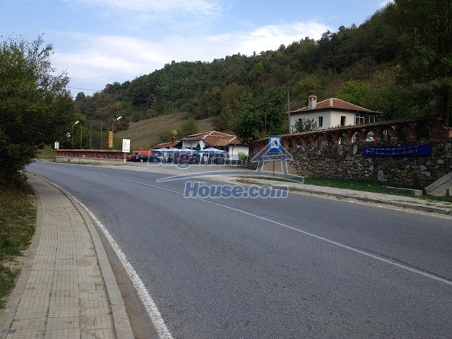 11068:27 - Business property near a mountain, excellent investment