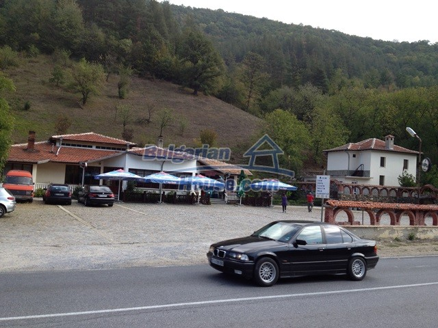 11068:26 - Business property near a mountain, excellent investment