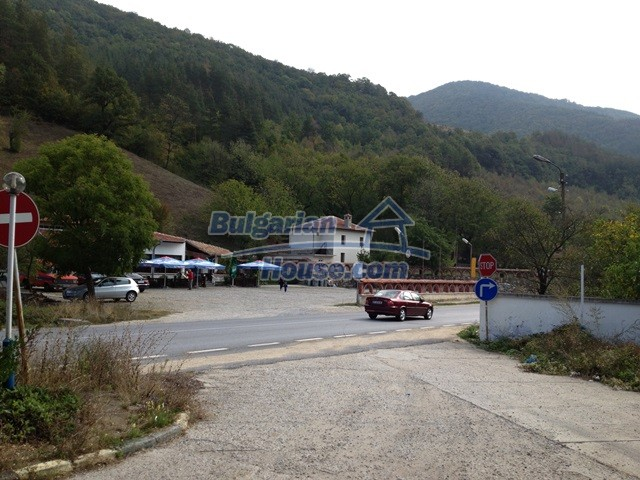 11068:25 - Business property near a mountain, excellent investment