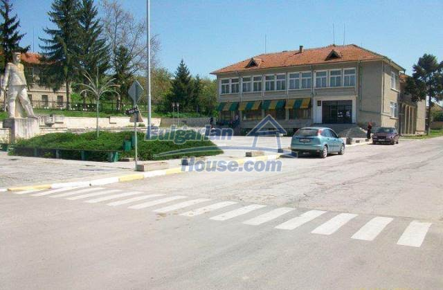 12300:11 - Cheap property for sale with lovely views near Popovo & Ruse