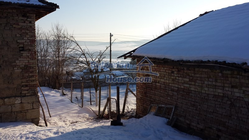 12300:19 - Cheap property for sale with lovely views near Popovo & Ruse