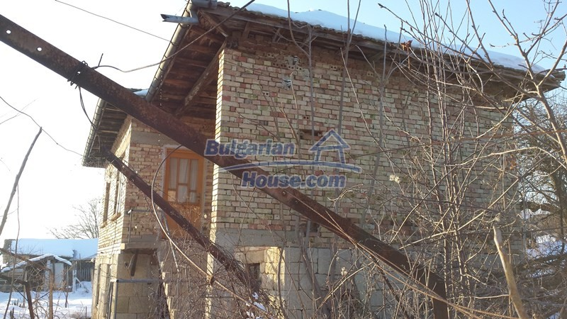 12300:20 - Cheap property for sale with lovely views near Popovo & Ruse