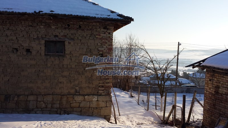 12300:18 - Cheap property for sale with lovely views near Popovo & Ruse