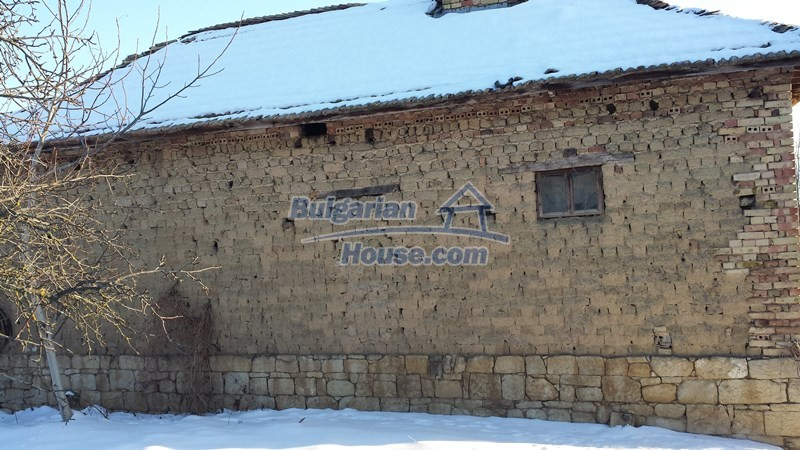12300:17 - Cheap property for sale with lovely views near Popovo & Ruse