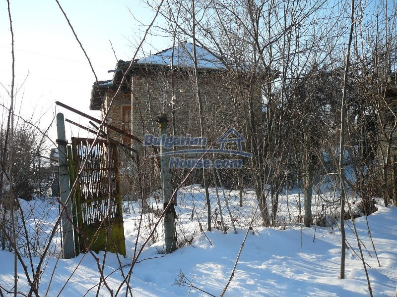 12300:28 - Cheap property for sale with lovely views near Popovo & Ruse
